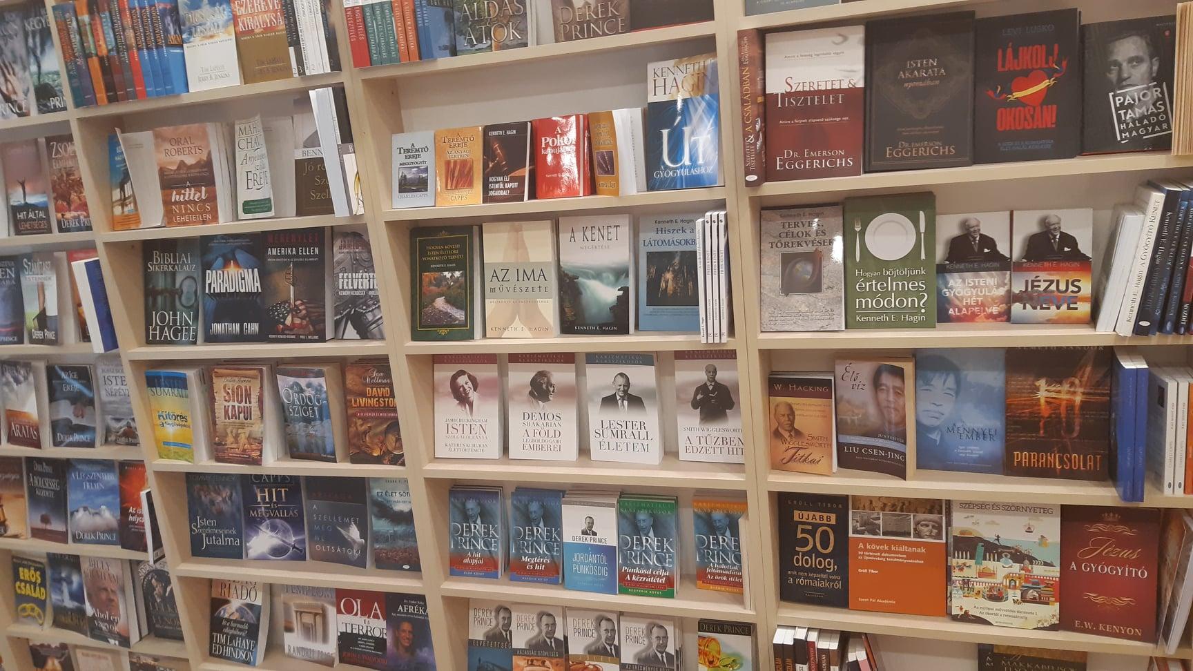 Amana 7 könyvesbolt
